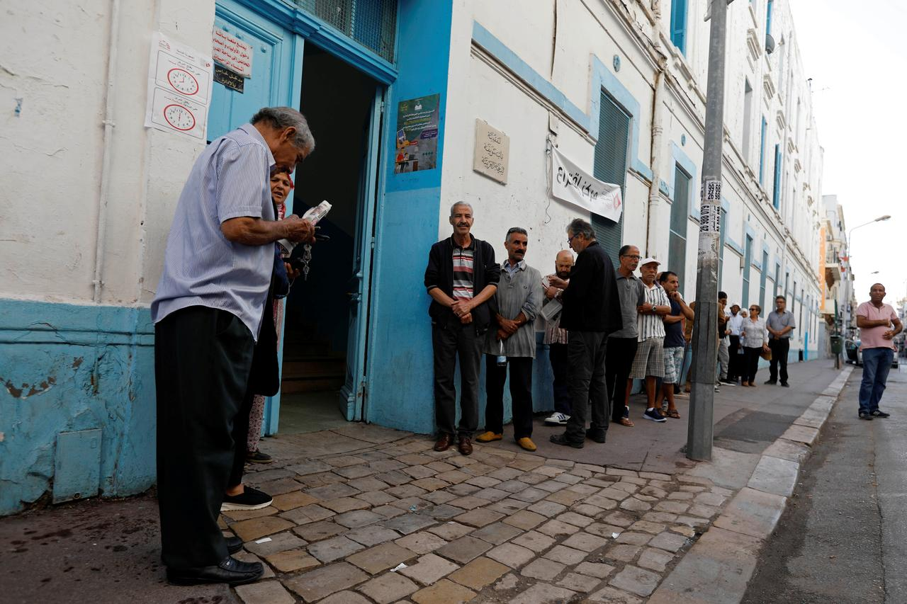 La Tunisie vote, sans engouement, pour élire ses députés