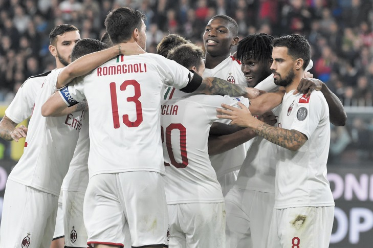 L'AC Milan n'y arrive pas et change encore tout