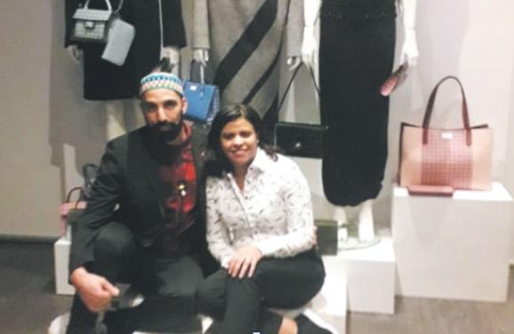 Hanane El Ghezouani aux côtés du styliste maroco-néerlandais Aziz Bekkaoui