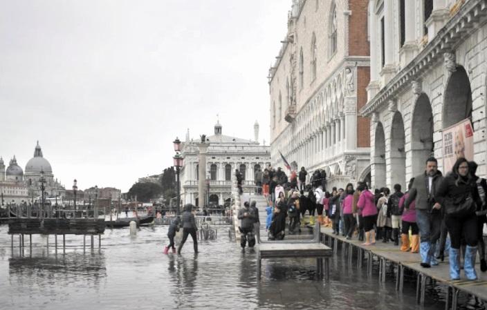 Venise toujours dans l'angoisse