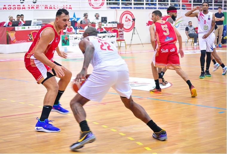Les joueurs de basketball au Maroc s'organisent