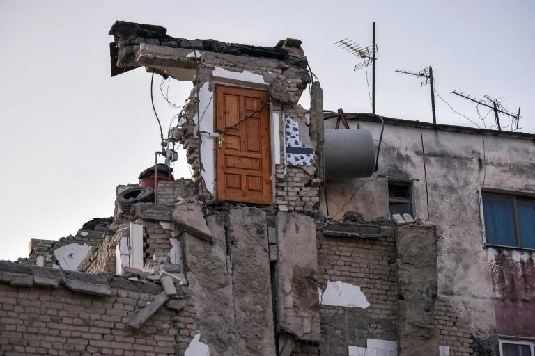 L'Albanie en deuil recherche désespérément  des survivants du violent tremblement de terre