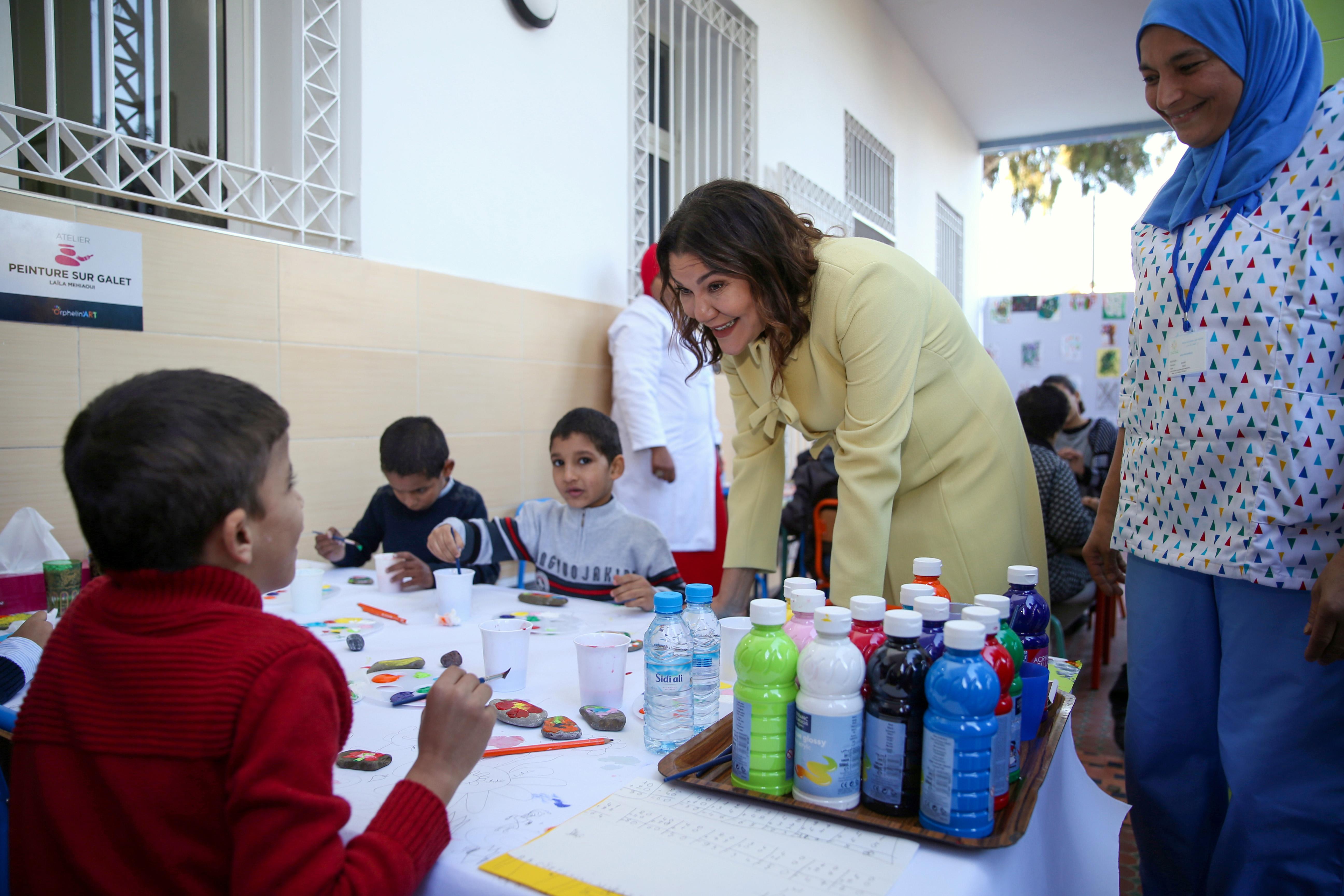 S.A.R la Princesse Lalla Hasnaa préside  la cérémonie organisée à l'occasion du  30ème anniversaire de l'Association Al-Ihssane