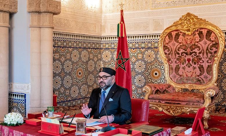 Sa Majesté le Roi préside un Conseil des ministres