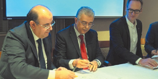 Signature à Montréal d' un accord de partenariat entre Attijariwafa Bank et la Banque nationale du Canada