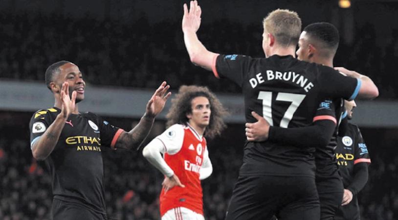 Premier League : City fond sur Leicester et Tottenham sur Chelsea