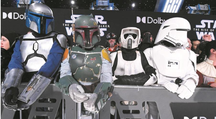 """""""Star Wars"""" électrise Hollywood pour présenter le dernier épisode de la saga"""