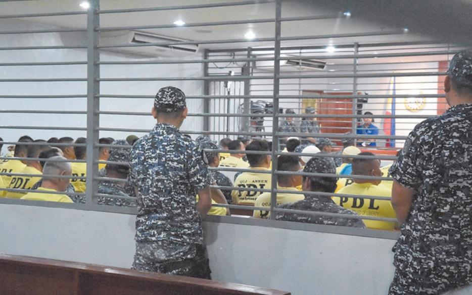 Trente ans de prison pour les commanditaires du pire massacre politique aux Philippines