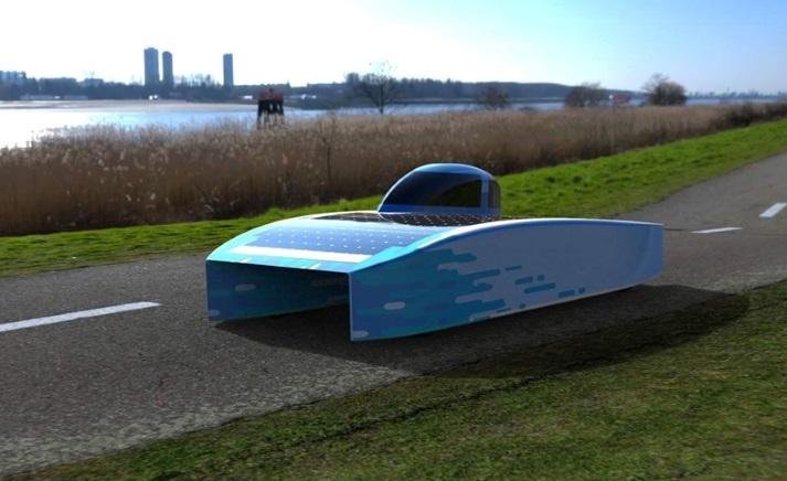 La voiture solaire prend la lumière