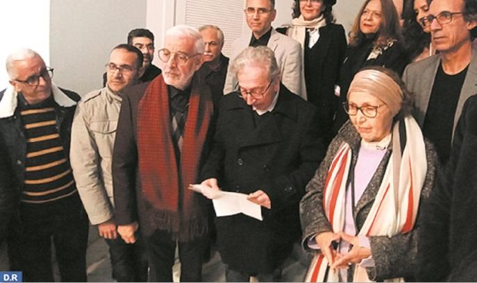 """L'exposition """"Mains de lumière"""" rend hommage à l'artiste peintre Malika Agueznay"""