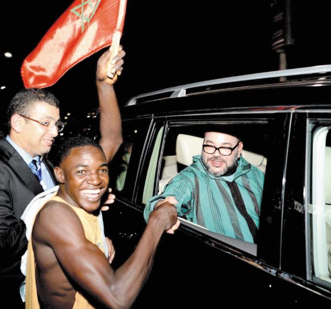 S.M le Roi gracie 201 prisonniers africains