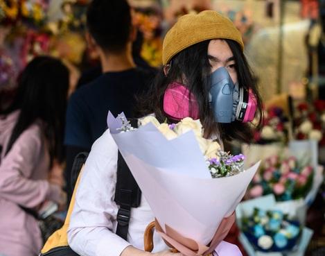 Insolite : Les masques remplacent les fleurs