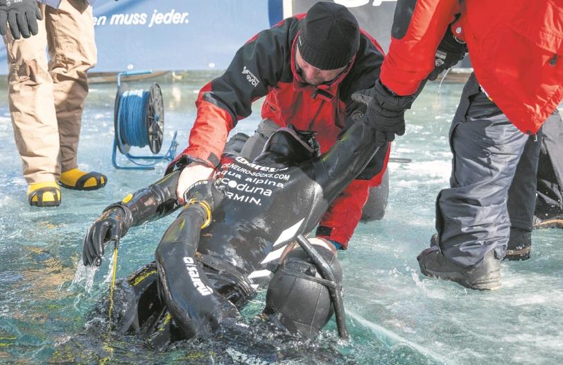 Un champion d'apnée trompe la mort sous la glace des Alpes autrichiennes