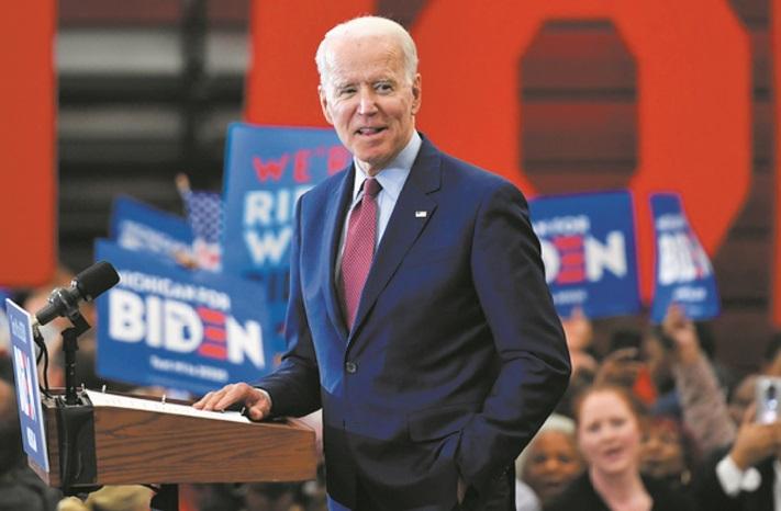 Joe Biden, improbable archi-favori de la primaire démocrate