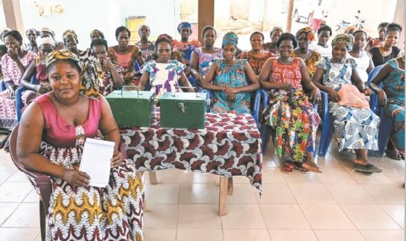 Grâce aux femmes, des enfants désertent les plantations de cacao pour l'école en Côte d'Ivoire