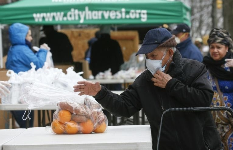 La demande explose pour les banques alimentaires new-yorkaises