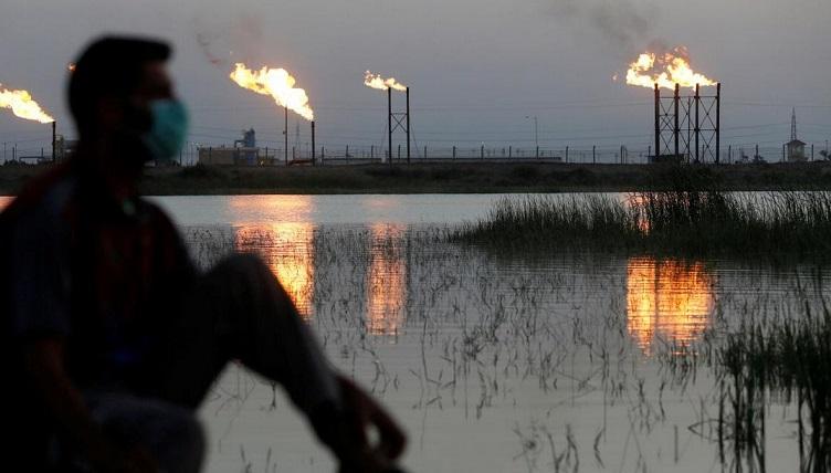 """Les principaux exportateurs de pétrole s'accordent sur une baisse """"historique"""" de la production"""