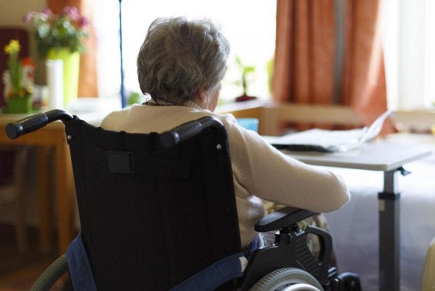 Des morts silencieuses dans les maisons de retraite britanniques