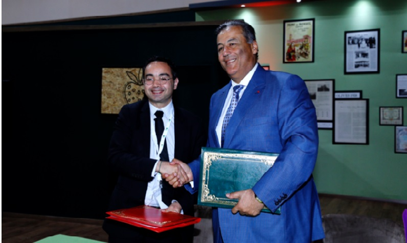 Mihoub  Mezouaghi, directeur de l'AFD au Maroc, et Tariq  Sijilmassi,  directeur du Directoire du GCAM, en marge du SIAM à  Meknès 2019