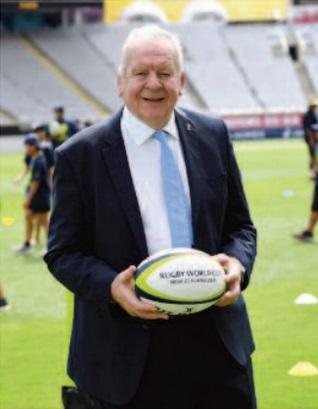 Bill Beaumont rempile à la tête de la Fédération internationale de rugby
