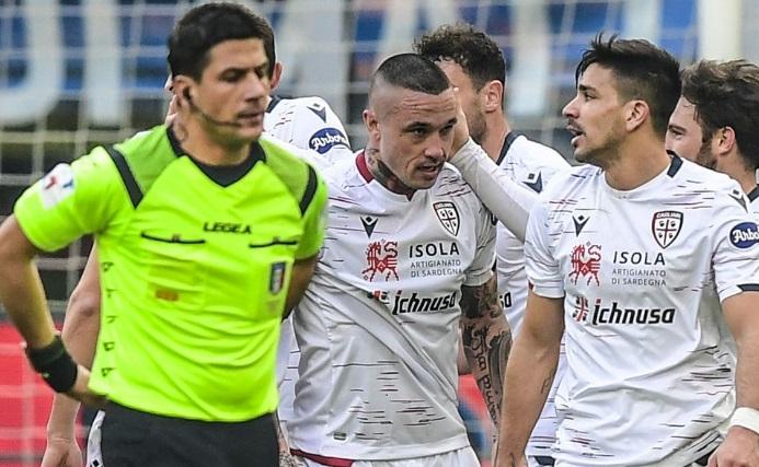 Les joueurs de Cagliari renoncent à leur paie d'avril