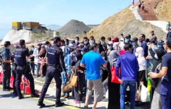 Vers le rapatriement d'une autre  centaine de Marocains bloqués à Sebta