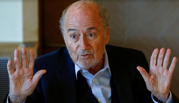 Une enquête visant Blatter classée par la justice