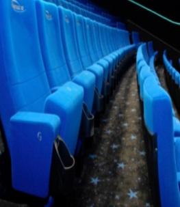 Après trois mois d'arrêt, les cinémas français rouvrent leurs portes