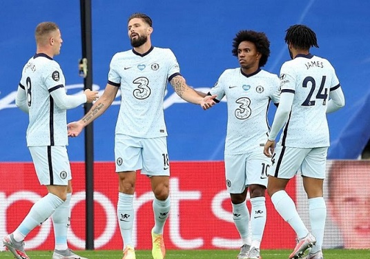 Chelsea chasse Leicester du podium