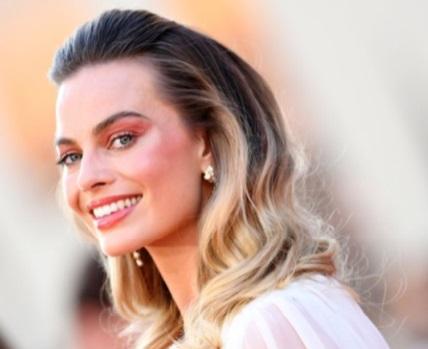 """Margot Robbie débarque dans l'univers de """"Pirates des Caraïbes"""""""