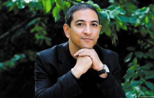 """""""Même pas mort"""", nouveau roman de Youssef Amine El Alamy"""