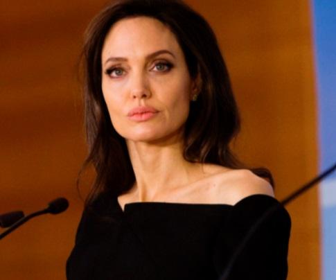 Angelina Jolie évoque son confinement chaotique avec ses six enfants