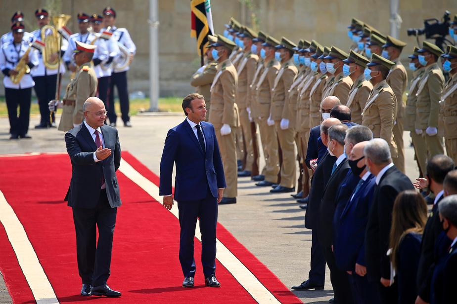"""Macron à Bagdad pour soutenir la """"souveraineté"""" de l'Irak"""