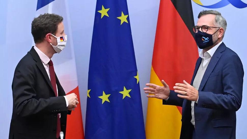 Paris et Berlin appellent à rester ferme face à Londres