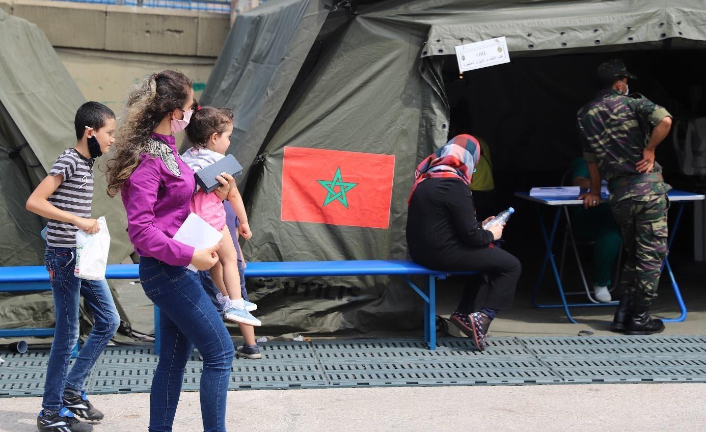 Grande affluence des Beyrouthins au service d'orthopédie de l'hôpital militaire marocain