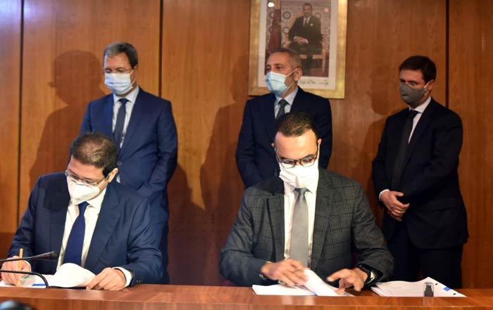 Signature d' un contrat d'investissement entre le Groupe Abdelmoumen et CDG Invest