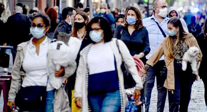 """La France s'achemine vers """" plus de restrictions"""