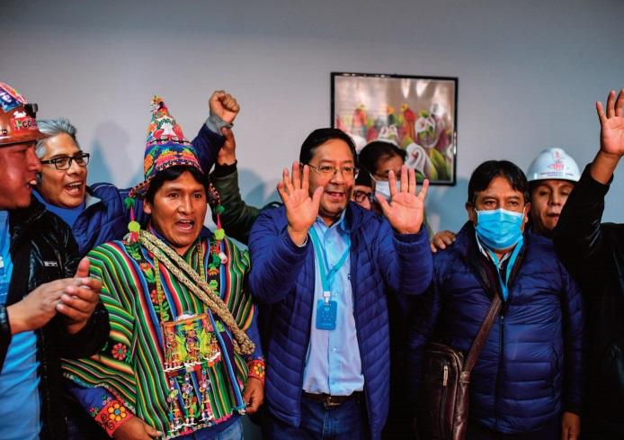 Luis Arce, vainqueur de la présidentielle en Bolivie