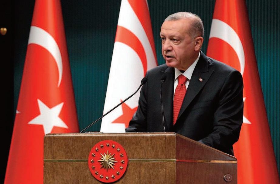Erdogan appelle au boycott des produits français, soutiens en Europe pour Macron