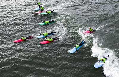 """""""Cold Hawaii"""" : Le surf porté par la vague du Covid au Danemark"""