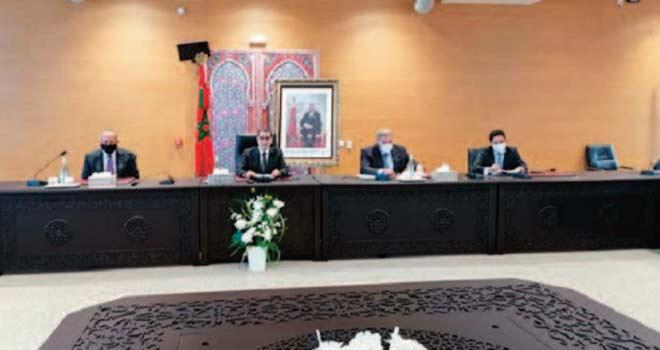 Le chef du gouvernement informe les dirigeants des partis politiques des derniers développements à El Guerguarat