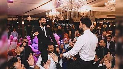 La distanciation physique était respectée au mariage du frère de Salah