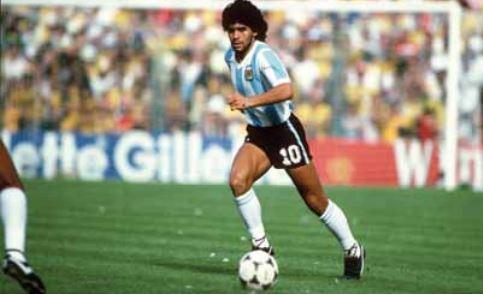 Le monde pleure Maradona. Une étoile s'est éteinte