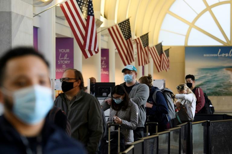 Les Etats-Unis se préparent à une flambée de cas après Thanksgiving