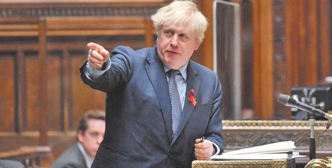 Malgré une rébellion, Boris Johnson fait adopter ses restrictions post-confinement