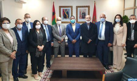 Visite à Dakhla et à El Guerguarat d' une délégation de la Commission des A.E à la Chambre des représentants