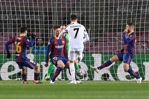 Ronaldo terrasse le Barça