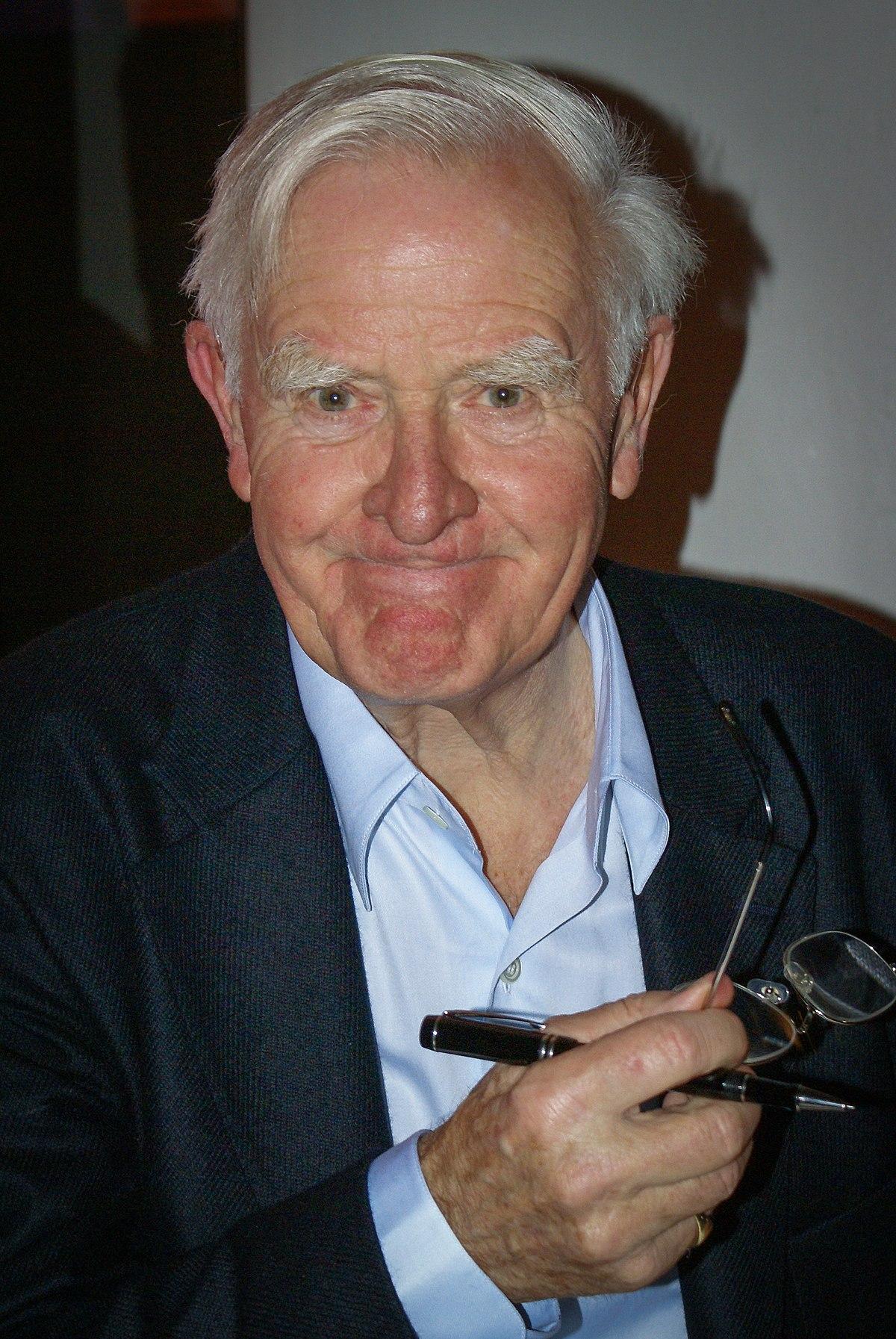 Décès de John Le Carré, maître britannique du roman d' espionnage