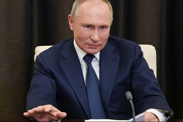 """Poutine félicite Biden et se dit """" prêt à une collaboration """""""