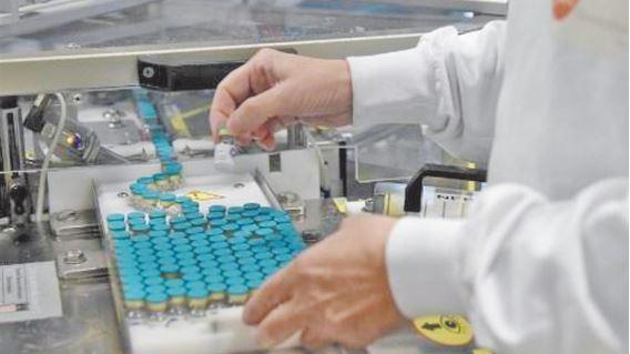 Début de la vaccination fin décembre en Europe